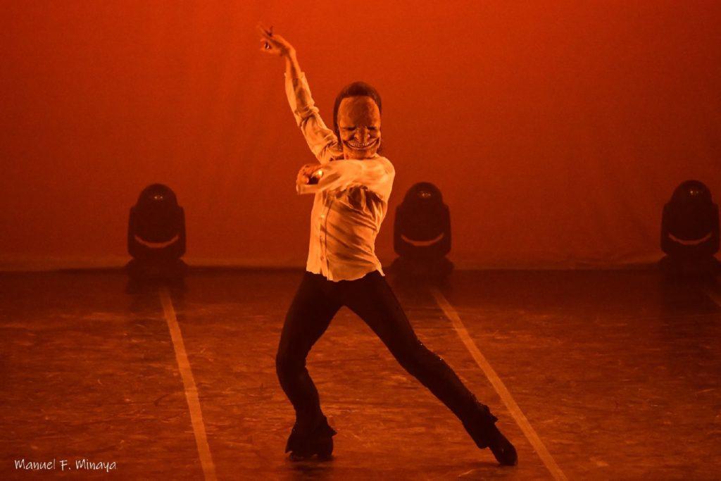 Miguel Ángel Berna interpretando una nueva coreografía inspirada en Goya en la Gala del Teatro 2019