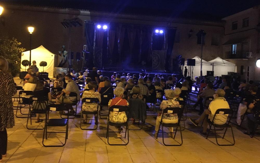 """Festival de Teatro Clásico en Pedrola (Zaragoza). """"Noches de Teatro"""". Versiones contemporáneas de obras clásicas. Un entorno seguro para disfrutar de un evento cultural. Imágenes gentileza de Teatro del Temple"""