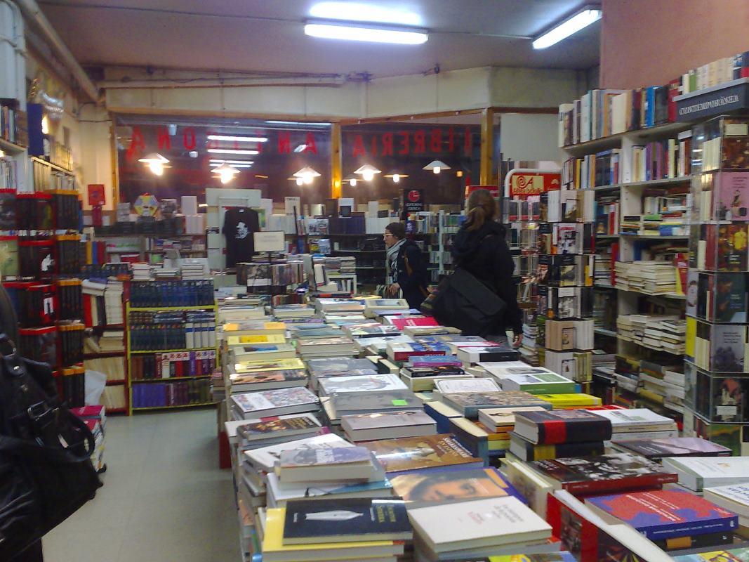 libreria-antigona-de-zaragoza_3